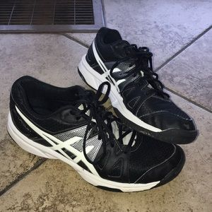 ASICS Volleyball sneakers/ Black and White